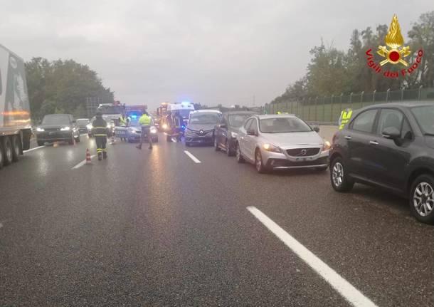 Carambola in A9, cinque auto coinvolte tra Origgio e Uboldo