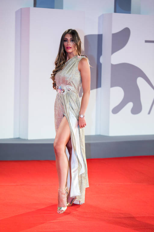 Miss Mondo Lombardia : la cardanese Melania Ferraro sfila al 78° festival del cinema