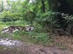Ancora scarichi abusivi di materiale edile tra Monvalle e Leggiuno