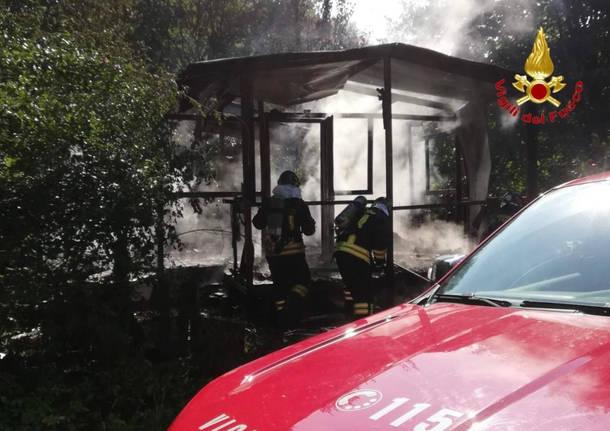 Incendio di una baracca a Buguggiate