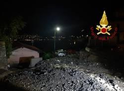 Frana nella notte sulla provinciale lariana a Blevio