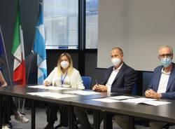 Centro vaccinale di Saronno, conferenza stampa