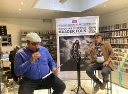 Davide Van De Sfroos presenta l'album Maader Folk a Varese Dischi