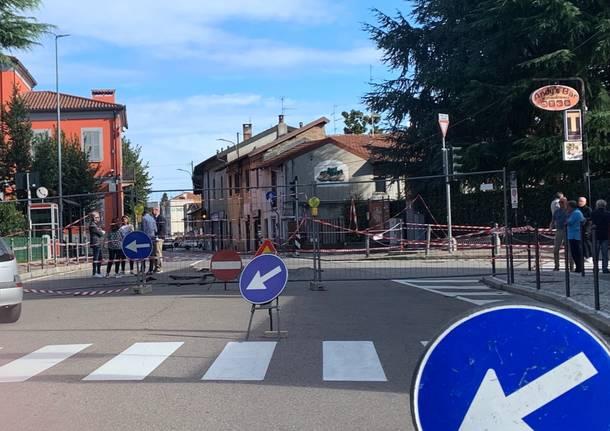 La deviazione in centro a Cavaria con Premezzo