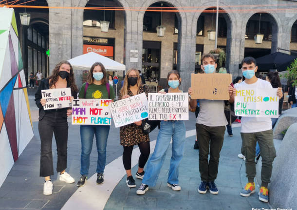 Fridays for future in piazza a Varese