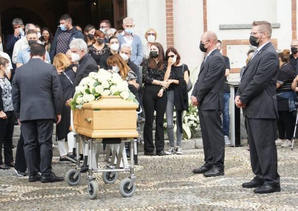A Solaro l'ultimo saluto a Martina Luoni, testimonial anti Covid sconfitta dal cancro