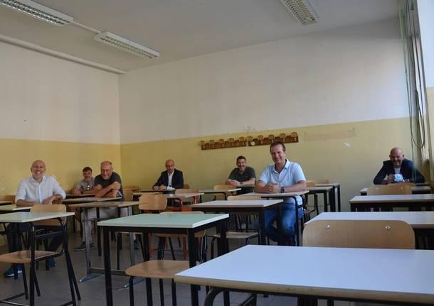 In aula dopo 30 anni, l'emozione degli ex alunni dell'Itis Riva di Saronno