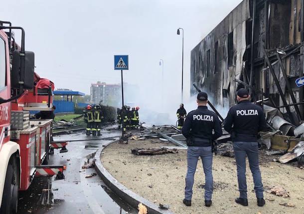 aereo caduto a san donato milanese