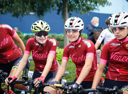 La partenza della 1a Tre Valli Varesine Women