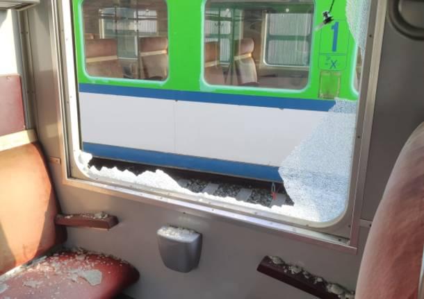 Vandalizzati i treni della Verbano Express