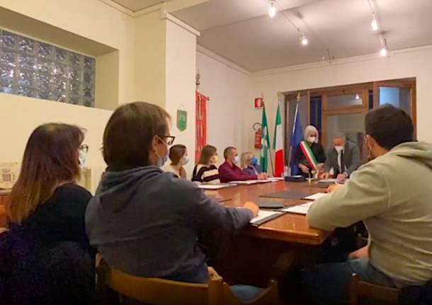 Cuasso al Monte - Nuovo consiglio comunale Loredana Bonora sindaco