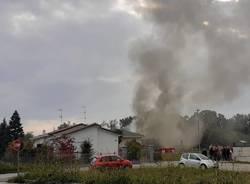 incendio villetta somma lombardo vigili del fuoco