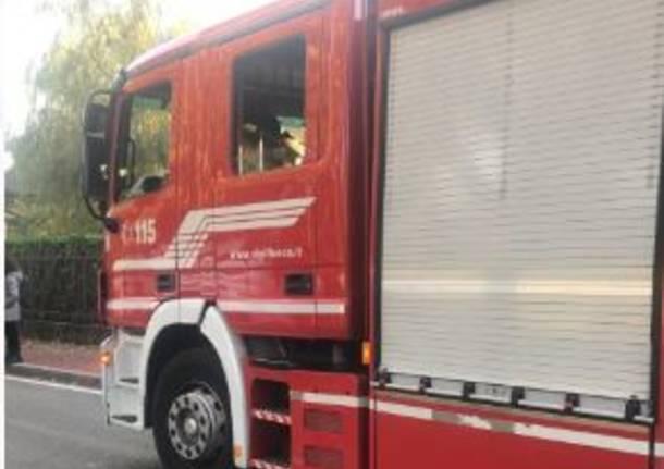 Auto si ribalta a San Vittore Olona, due le persone rimaste ferite