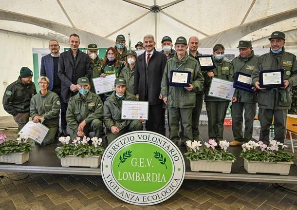 La Gev del Parco delle Groane Gianmarco Bartesaghi premiata dall'assessore regionale Cattaneo
