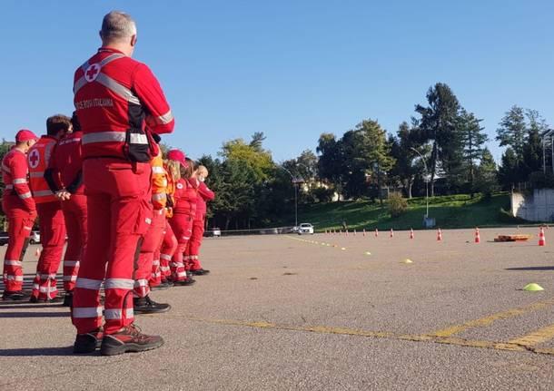 Tradate, volontari della Croce rossa al corso di guida sicura