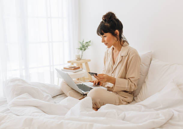 computer sul letto