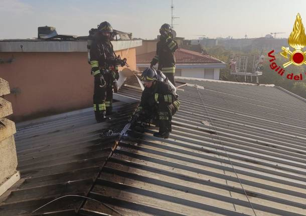 Vigili del Fuoco Milano - incendio tetto 26 ottobre
